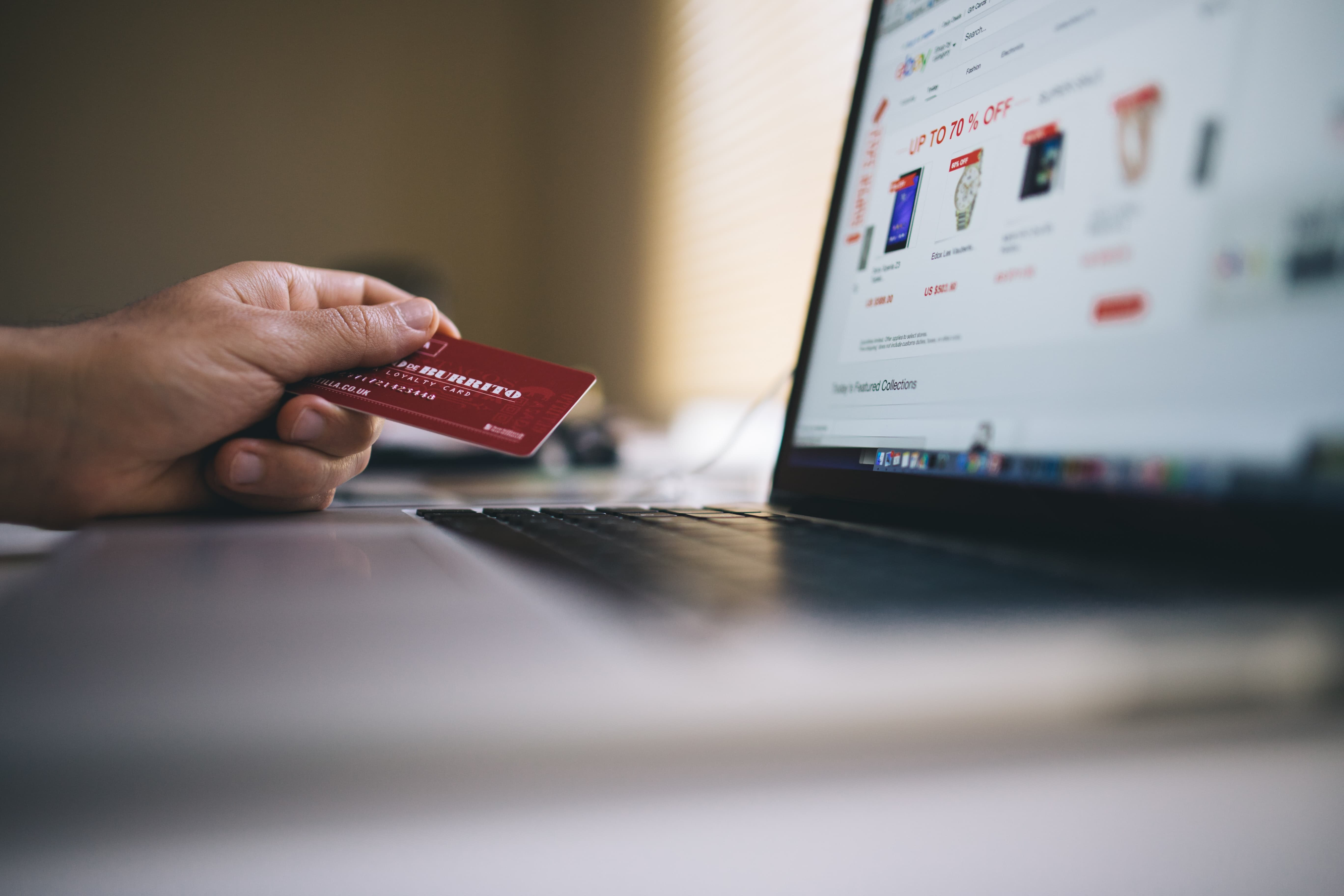 online shopping on mobile retail industry